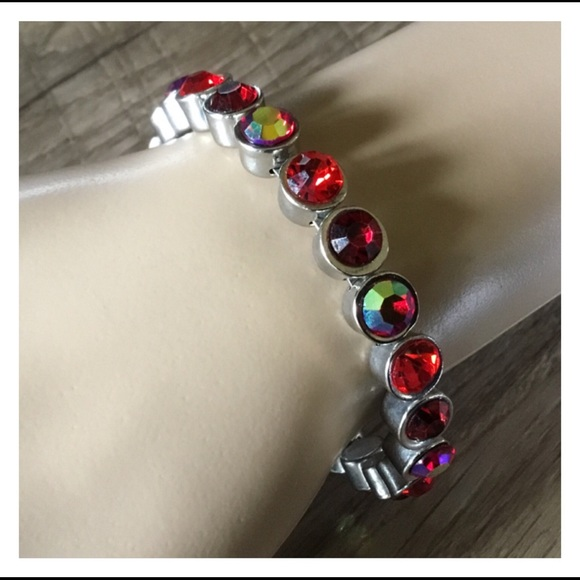 Jewelry - Neat Red Silver Magnetic Connect Bangle Bracelet